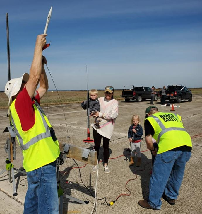 Family-Friendly Model Rocket & HPR launch